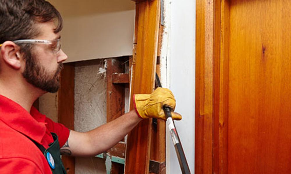 Демонтаж дверных проемов своими руками